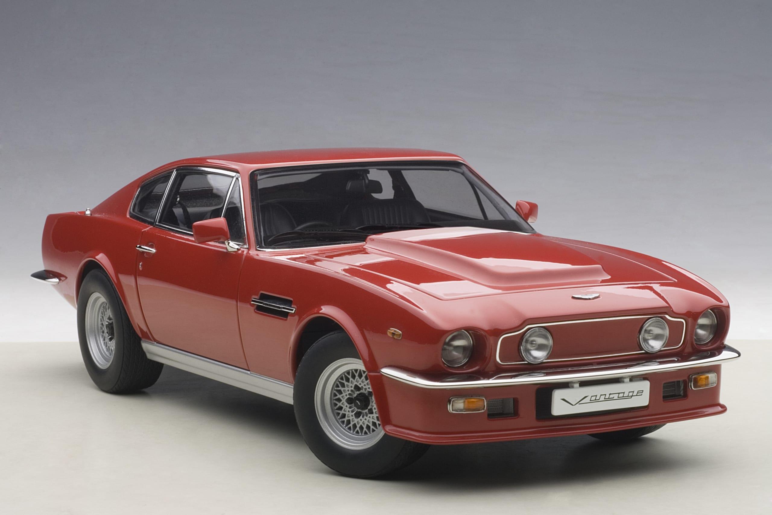 Aston Martin V8 Vantage 1985 Suffolk Red Autoart