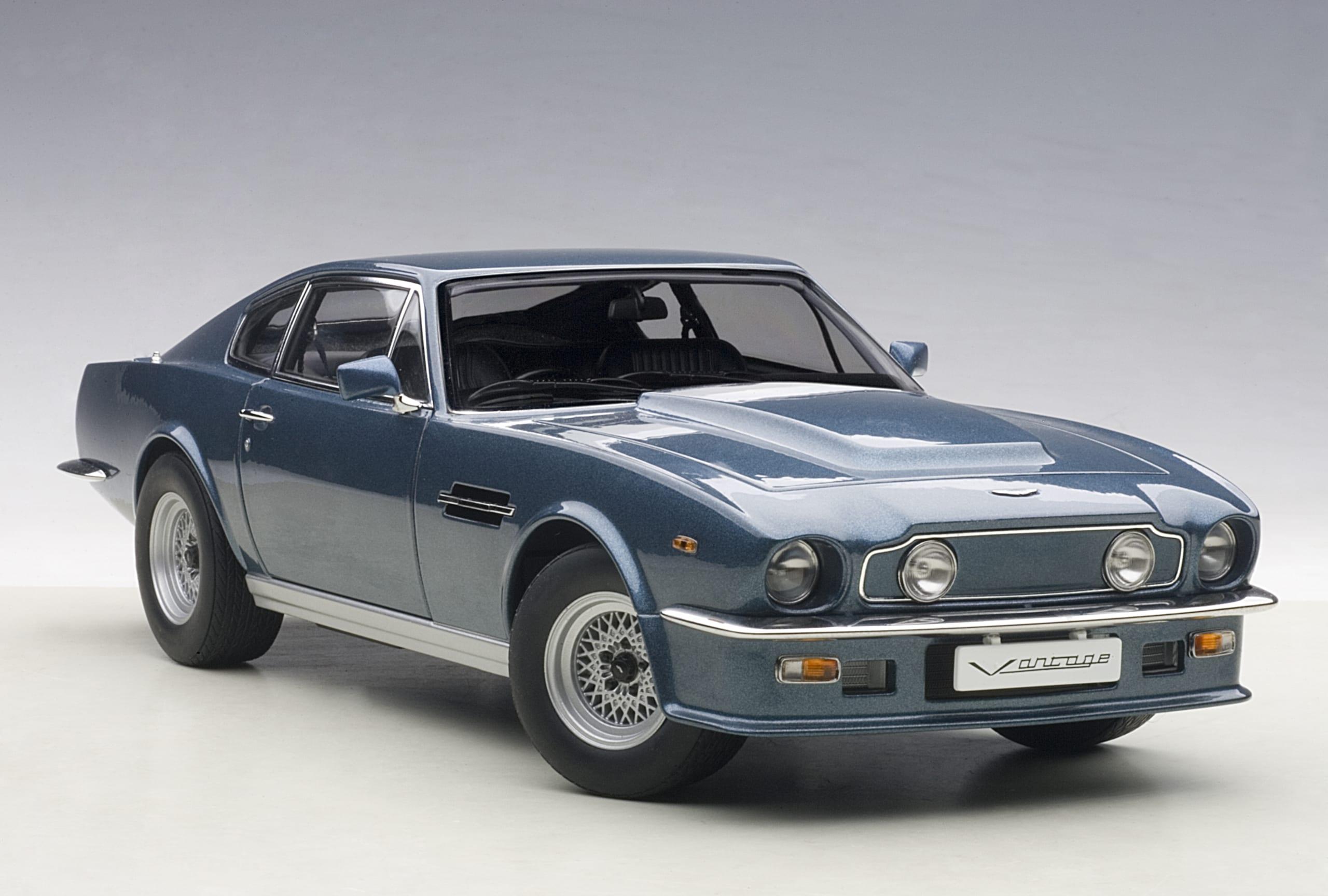 Aston Martin V8 Vantage 1985 Chichester Blue Autoart