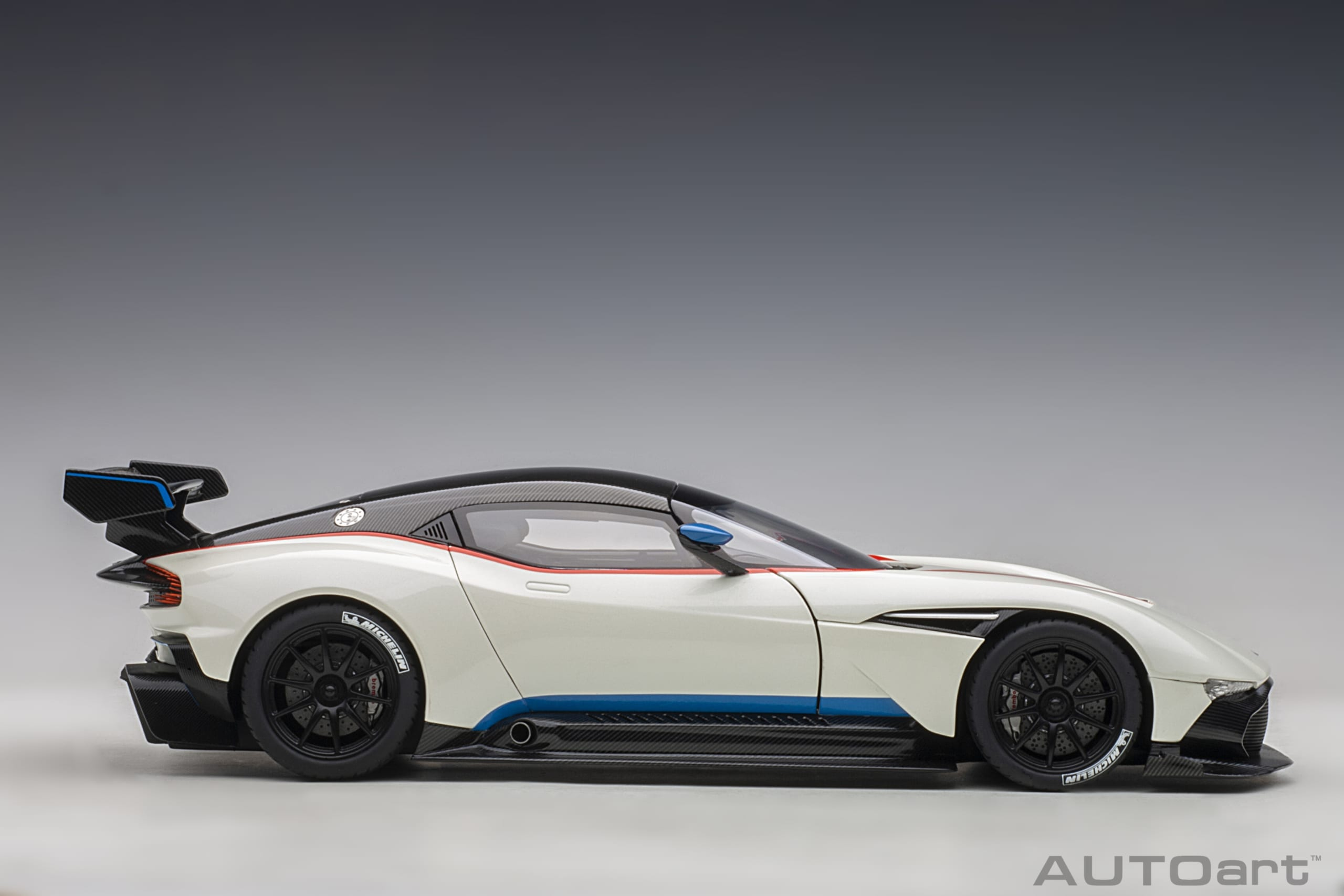 Aston Martin Vulcan Stratus White With Red And Blue Stripes Autoart