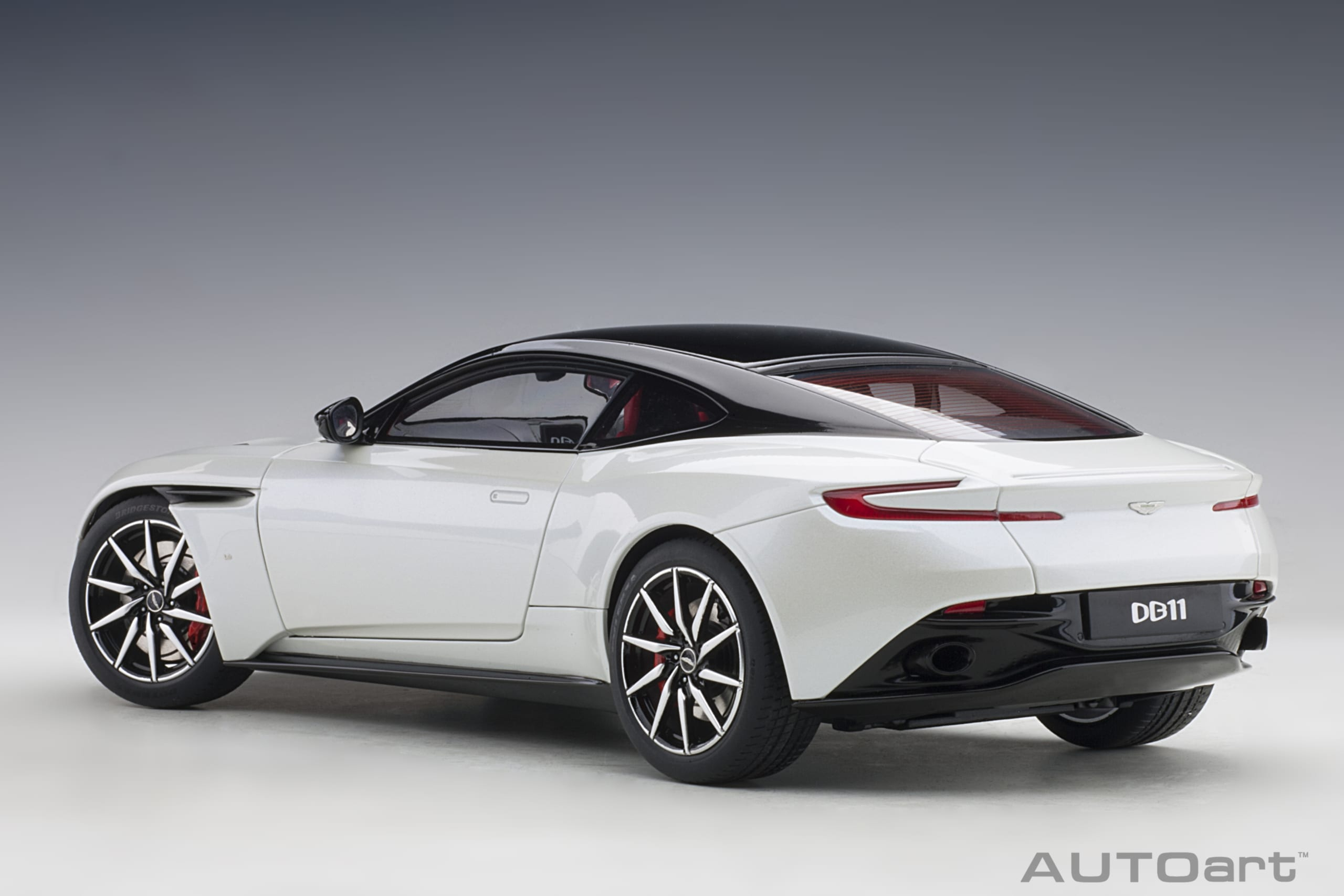Aston Martin Db11 Morning Frost White Autoart