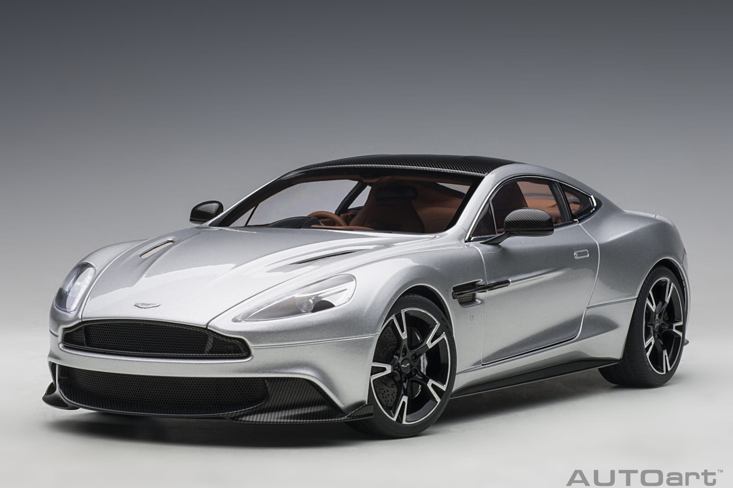 Aston Martin Vanquish S 2017 Lightning Silver Autoart